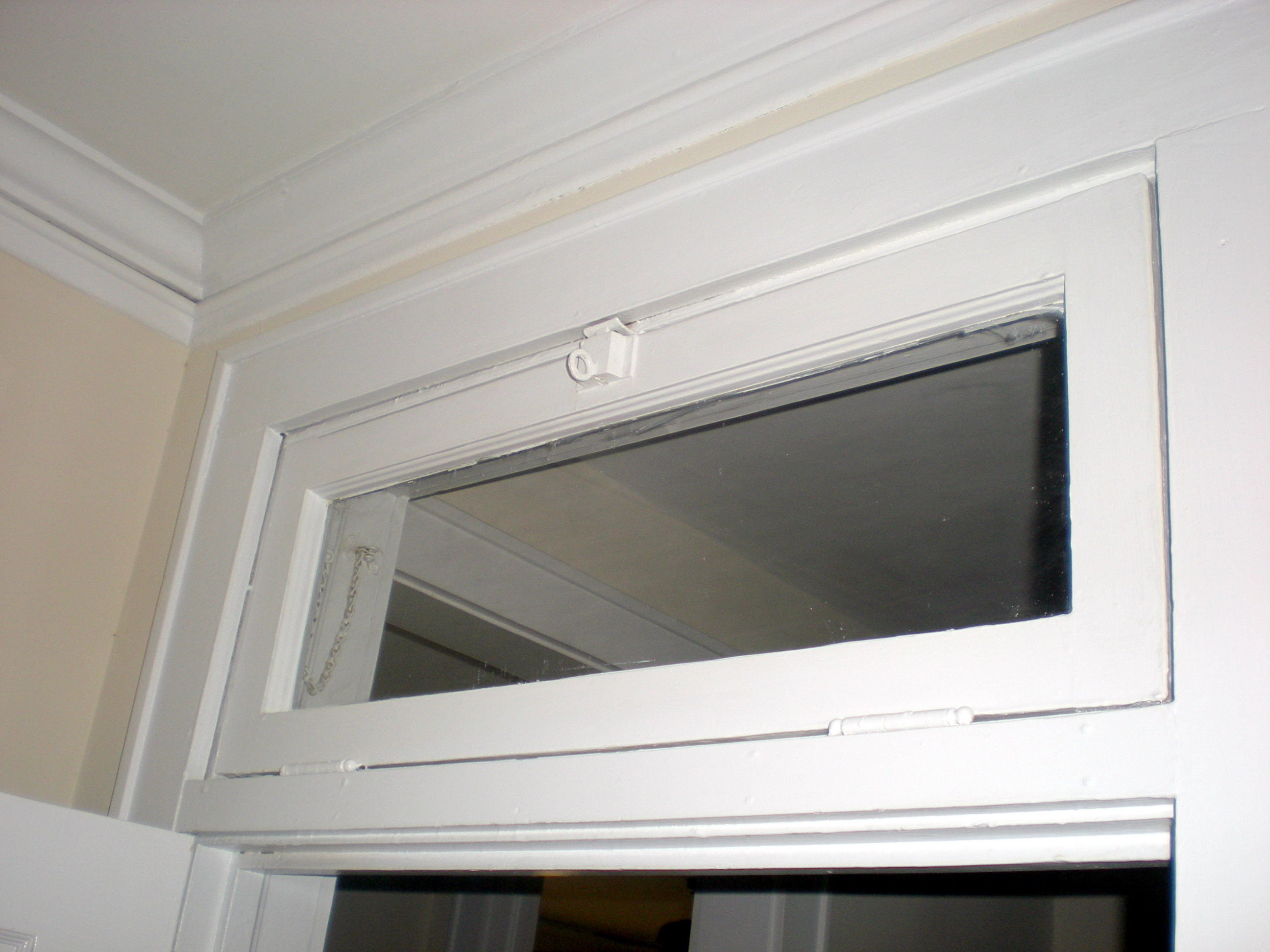 What is the purpose of a transom window for Operable awning windows